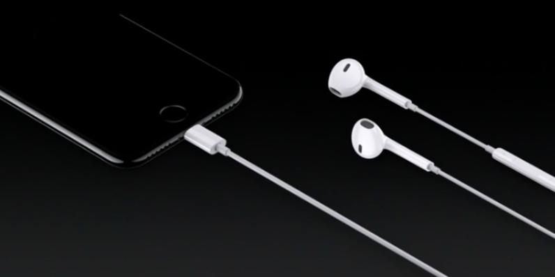 apple-iphone-headphones-ear-pods-796x398